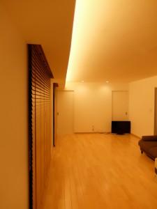 間接照明とカーテンボックス